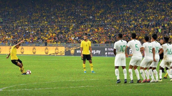 Hasil Kualifikasi Piala Dunia 2022 - Malaysia Bungkam Timnas Indonesia 2-0, Osas Saha Gagal Penalti