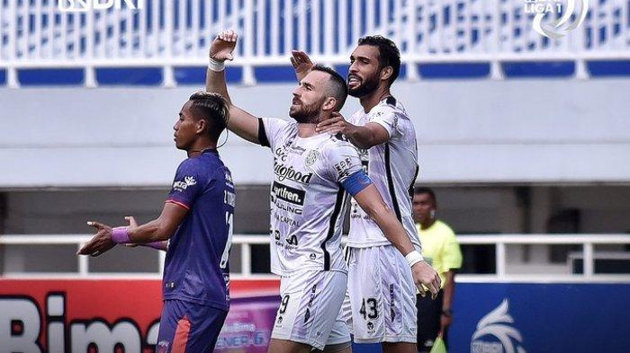 Hasil Liga 1 2021 - Brace Spasojevic Antar Bali United Tumbangkan Persita Tangerang 2-1