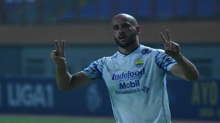 Hasil Liga 1 2021 - Brace Mohammed Rashid Bawa Kemenangan Persib Bandung versus Persita