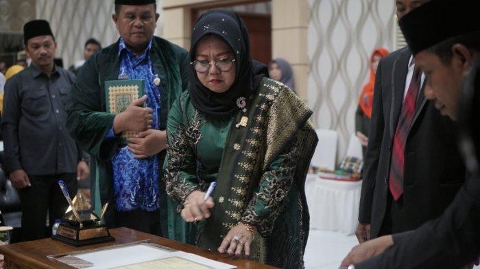 SAH, Hasnidar Perempuan Pertama Pimpin DPRD Anambas