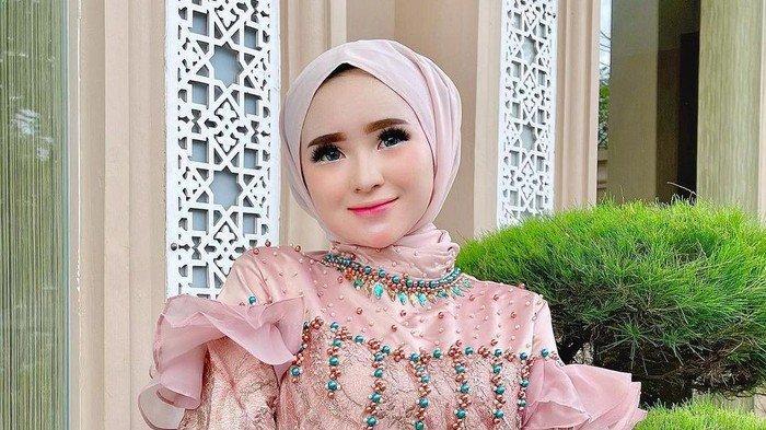 Siapa Herlin Kenza? Barbie Hijab Punya 9 Ajudan Sebabkan Kerumunan di Aceh