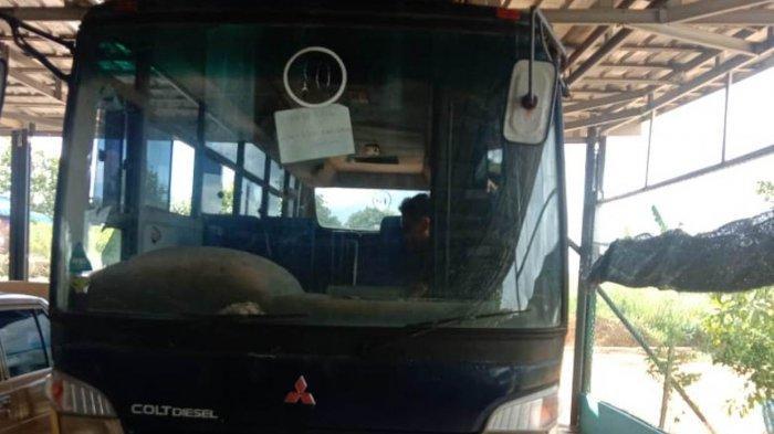 Pemprov Kepri Serahkan Satu Unit Bus untuk SMKN 1 Seri Kuala Lobam Bintan