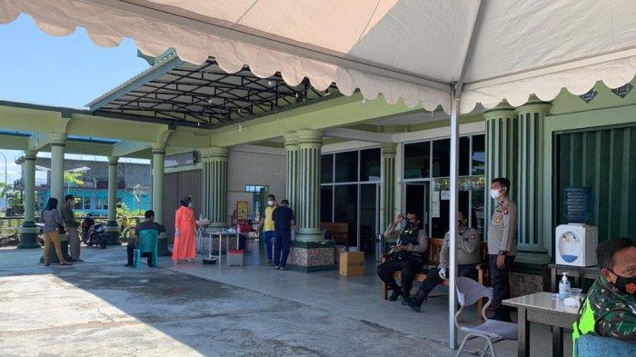 HOTEL TEREMPAK BEACH - Hotel Terempak Beach di Jalan Imam Bonjol, Kelurahan Tarempa, Kecamatan Siantan dijadikan tempat karantina mandiri pasien positif covid-19.