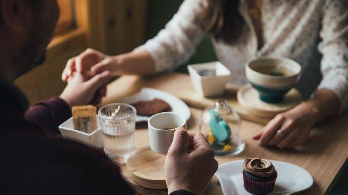 7 Konsep Makan Malam Romantis di Rumah untuk Hari Valentine Besok