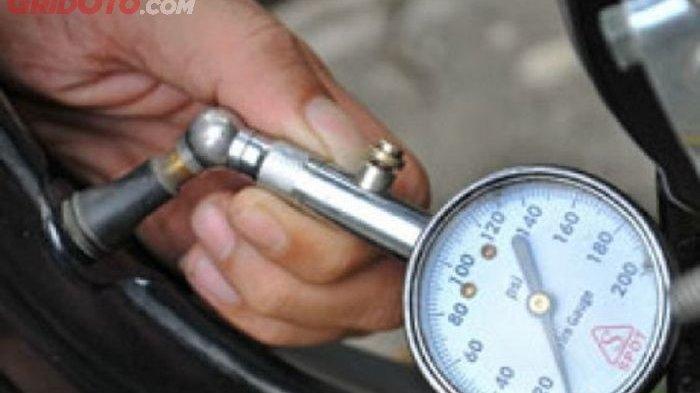 Biker, Ini Tekanan Angin yang Pas Untuk Ban Motor