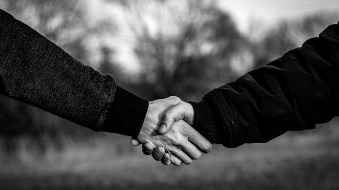 Pernah Alami Mimpi Berjabat Tangan? Konon Pertanda Bakal Naik Jabatan hingga Bertemu Jodoh