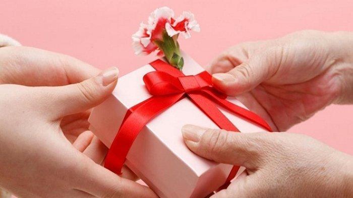Tak Perlu Mahal, Intip 6 Hadiah Sederhana Untuk Rayakan Ulang Tahun Suami