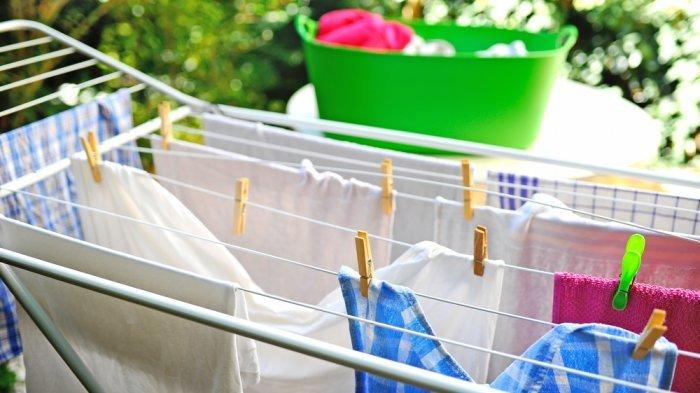 Trik Jitu Jemur Pakaian Tanpa Sinar Matahari, Baju Tetap Wangi Meski Musim Hujan