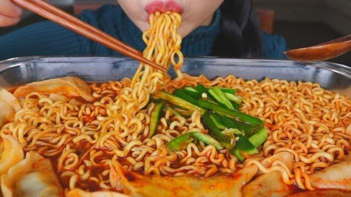 Cara Makan Mie Instan yang Lebih Sehat, Seminggu Cukup Sekali