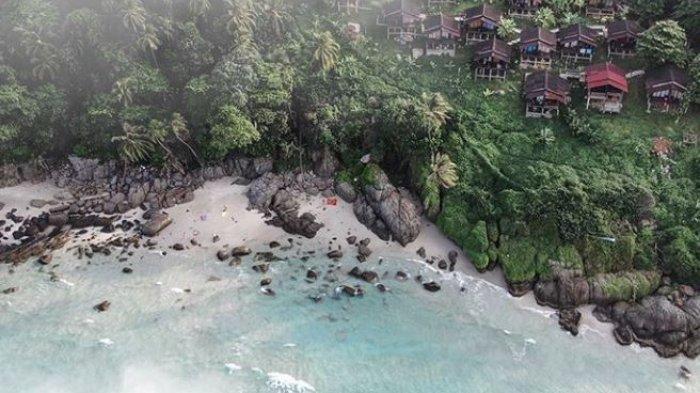 Rekomendasi 6 Pantai Terbaik di Malaysia, Coba Sensasi Menyelam Bersama Ikan Hiu
