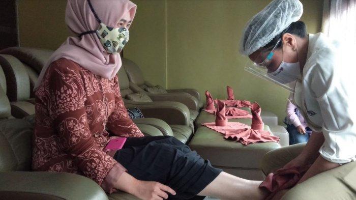 Ilustrasi pelayanan Eska Wellness Spa Massage and Salon di tengah pandemi Covid-19.