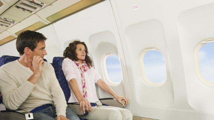 Ilustrasi pertama kali naik pesawat dan takut selama penerbangan di pesawat.
