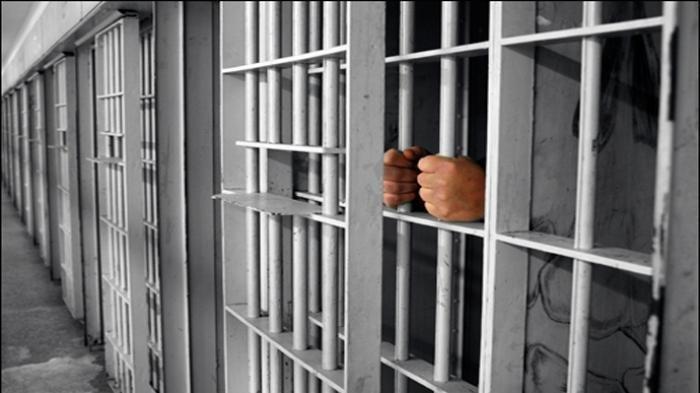Dipenjara Selama 27 tahun, Akhirnya Pria Ini Dibebaskan Karena Tidak Bersalah