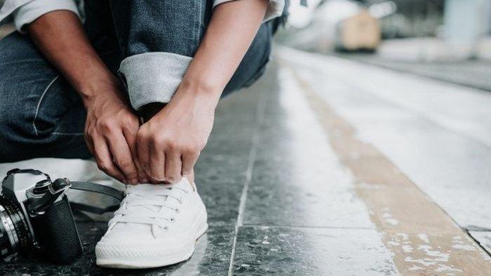 Arti Mimpi Membeli Sepatu, Menurut Primbon Jawa Pertanda Kondisi Ekonomi Membaik