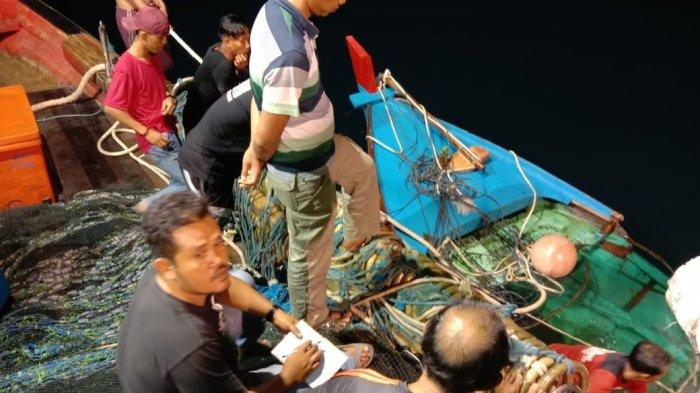 Menabrak Kapal Pukat Milik Nelayan, Pria Ini Pilih Jalur Kekeluargaan Untuk Mengganti Rugi