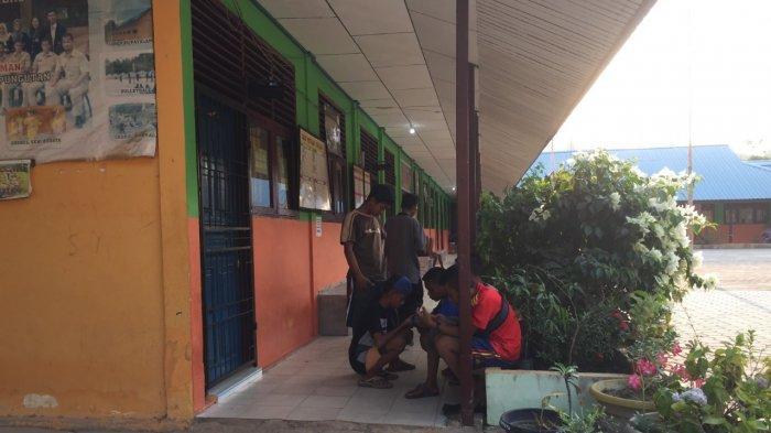 Sinyal di Palmatak Anambas Sering Hilang, Warga Lari Kesekolah Karena Ada Wifi Gratis