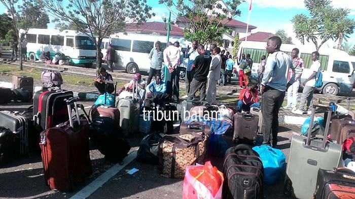Imigran Taman Aspirasi Batam ke Pinang, Pengungsi di Rudenim Pinang ke Batam
