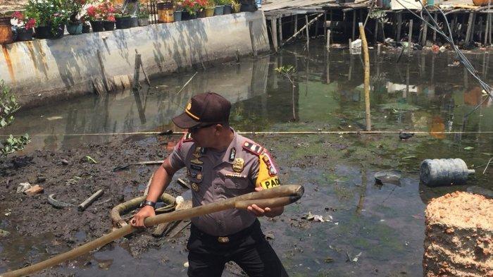 Salurkan Air Bersih ke Warga, Begini Cara Polisi Atasi Kemarau di Tanjungpinang