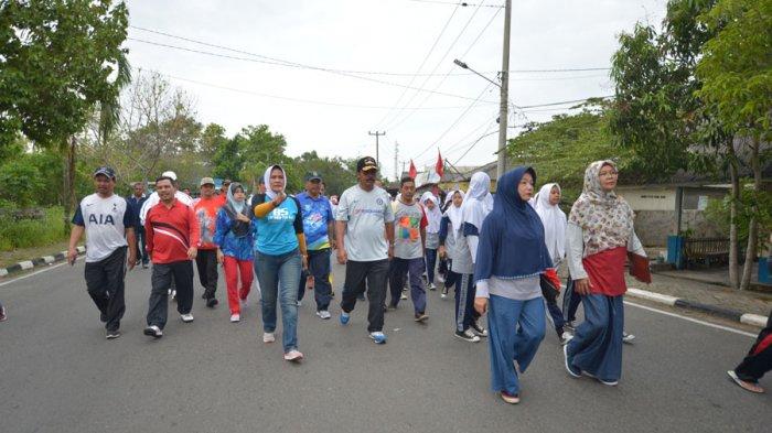 Silaturahim Akbar SMPN 3 Tanjungpinang, Gubernur Nurdin Ikut Jalan Santai Teluk Keriting!