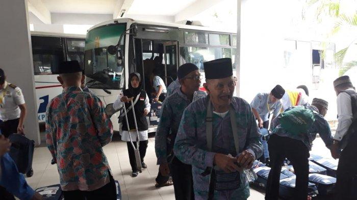 Ratusan JCH dari Kalimantan Barat Hari Ini Mendarat di Hang Nadim Batam