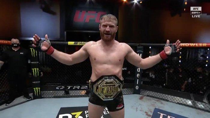 Hasil UFC 259, Kalahkan Israel Adesanya,Jan Blachowicz Juara Dunia KelasLight Heavywigh