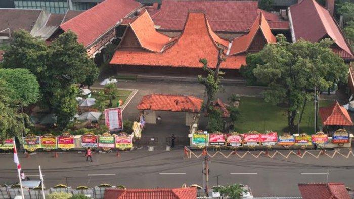 Karangan Bunga dari Kepri Untuk HUT ke-8 Tribunnews.com di Jakarta. Ini Penampakannya