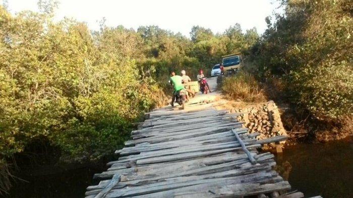 Kondisi Jembatan 'Suci' di Desa Kuala Sempang Memprihatinkan, Warga Mengadu ke Medsos