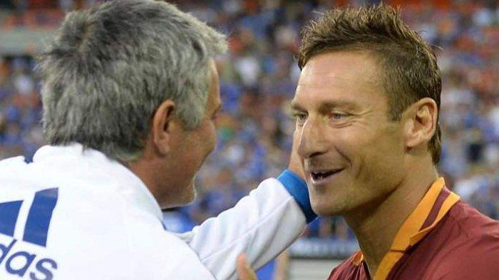 AS Roma Dilatih Jose Mourinho Bikin Francesco Totti Bangga: Dia Punya Kharisma