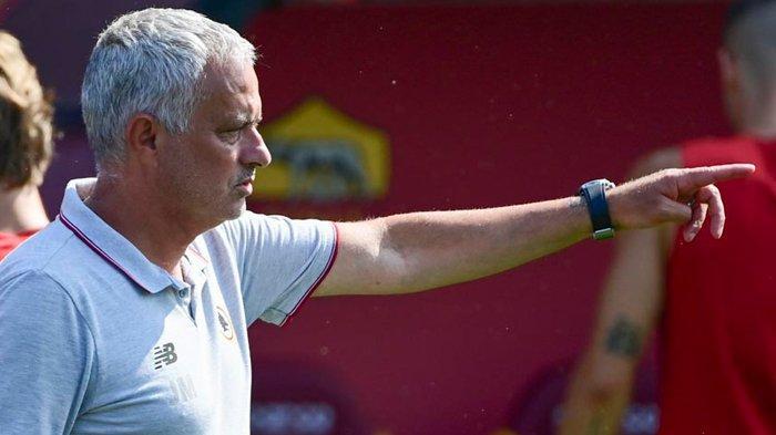 Masuk Radar Transfer AS Roma, Granit Xhaka Positif Covid-19, Jose Mourinho: Ayo Vaksin