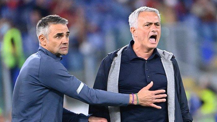 AS Roma Kalah Lawan Lazio, Jose Mourinho: Laga Fantastis Dirusak Wasit dan VAR