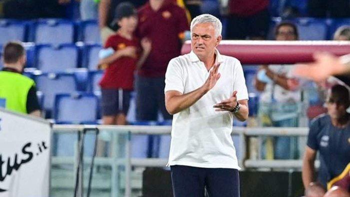 Berita AS Roma - Catat Kemenangan 100 Persen, Pellegrini Berharap Trofi dari Jose Mourinho