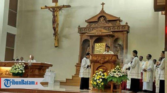 Umat Katolik Diimbau Ikuti Misa Paskah Melalui Live Streaming YouTube Atau Stasiun Televisi