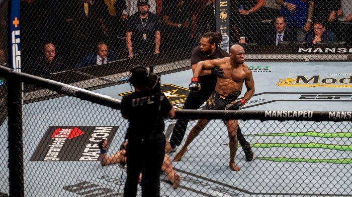 Hasil UFC 261 Kamaru Usman Menang KO, Kaki Jimmy Crute Patah Dihajar Anthony Smith