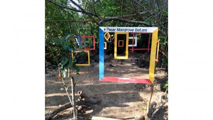 Serunya Wisata di Kampung Terih, Bisa Keliling Hutan Bakau Naik Perahu