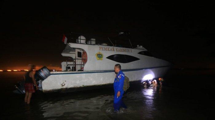 Kapal Pemkab Karimun I di Pulau Kepala Jeri