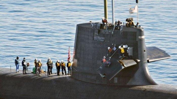 Kapal selam Jepang tabrak kapal China