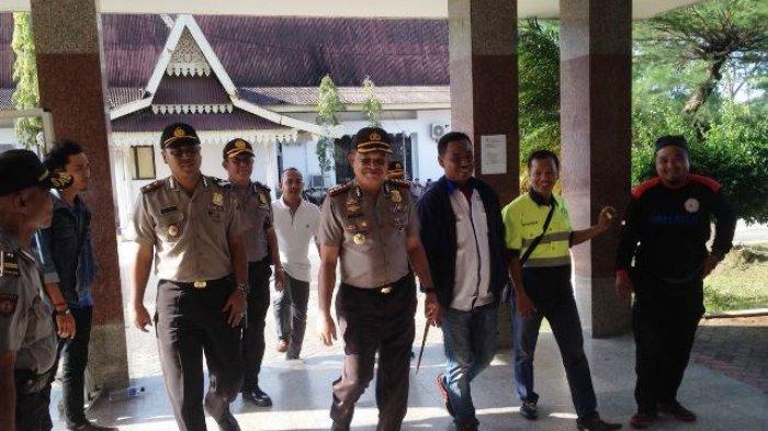 Unjuk Rasa Penetapan UMS Batam Memanas Lagi, Kapolresta Langsung Turun ke Disnaker