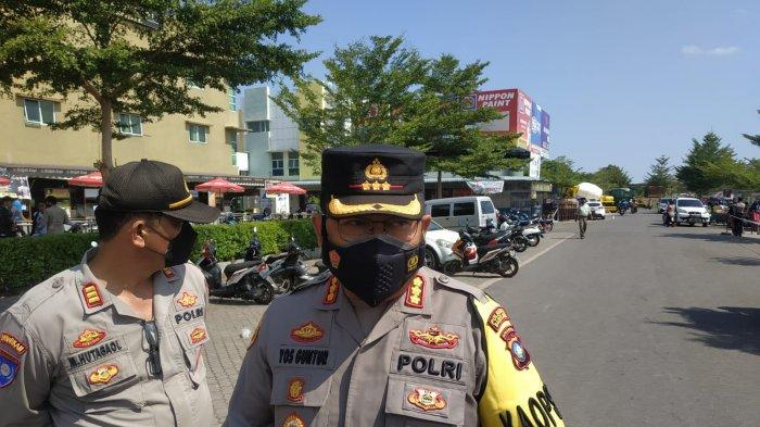 Kapolresta Barelang, Kombes Pol Yos Guntur meminta warga untuk tidak panik terkait vaksinasi corona di Stadion Temenggung Abdul Jamal Batam.