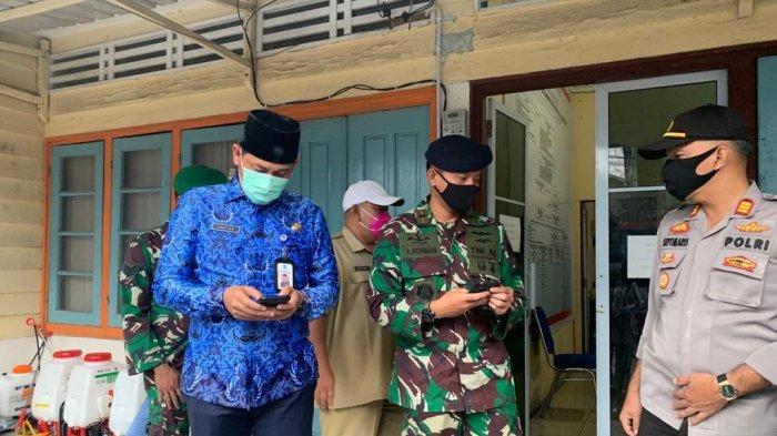 VIRUS CORONA - Suasana tim Gugus Tugas Percepatan Penanganan Covid-19 saat merilis penambahan jumlah pasien terkonfirmasi positif Covid-19 di Kepulauan Anambas hari ini, Selasa (17/11/2020).