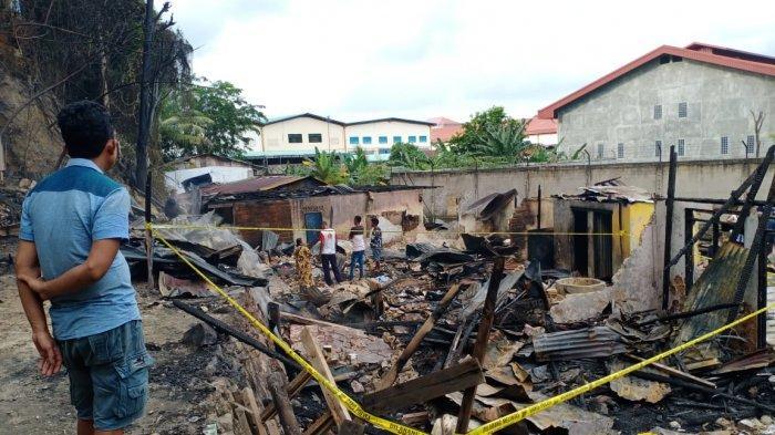 KEBAKARAN di Bengkong Bengkel, 5 Rumah dan 2 Sepeda Motor Hangus Dilalap Api