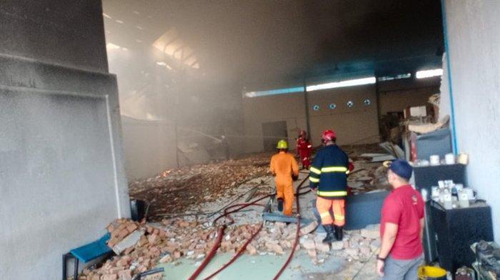 FAKTA-FAKTA Kebakaran Gudang Sepeda di Batam, Kerugian Ditaksir Rp 6 Miliar