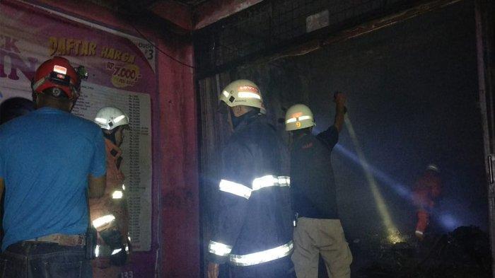 BREAKING NEWS. Kebakaran Laundry di Jalan Pramuka Tanjungpinang, 5 Unik Mobil Damkar Dikerahkan