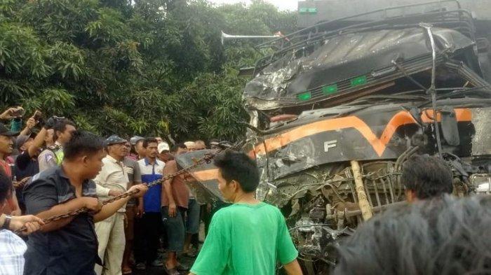 Tabrakan Beruntun 130 Mobil Pagi Hari di Jalan Tol (11/2), 6 Orang Tewas Puluhan Pengendara Terluka