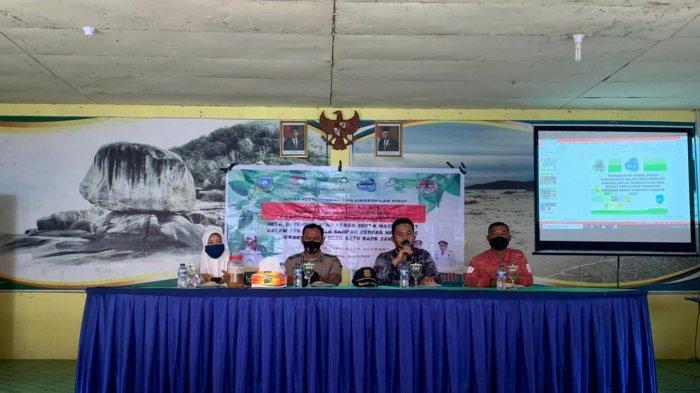 Sosialasi Dishub LH kepada masyarakat dan Kepala Desa se- Kecamatan Siantan Timur terkait misi Bupati Kepulauan Anambas Bebas Sampah 2023.