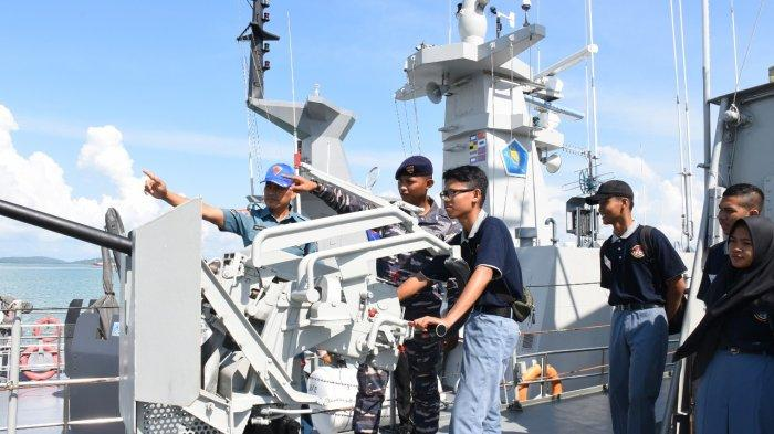 Lantamal IV Tanjungpinang Kenakalan Alusista 3 KRI Kepada Pelajar, Begini Antusias Para Peserta