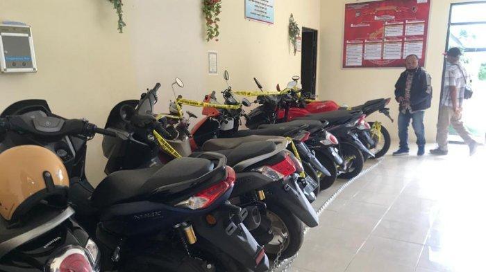 Kejari Bintan Terima Berkas Penggelapan Sepeda Motor, 1 Tersangka Masih DPO. Foto sejumlah sepeda motor hasil penggelapan yang diamankan di Polres Bintan.