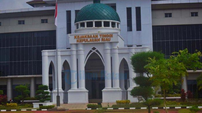 Bupati Natuna dan Maryamah Diperiksa Kejati Kepri, Juli Isnur: Terkait Kegiatan Fiktif