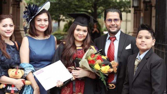 Momen keakraban keluarga artis Cut Keke dengan anak dan istri pertama suami mereka bernama, Malik Bawazier