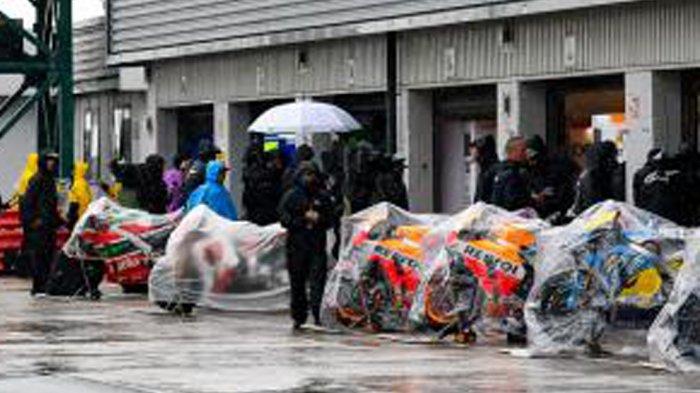 MotoGP Inggris - Bukan Hujan, Ternyata Ini yang Jadi Penyebab GP Inggris Batal. Terkait Aspal Baru