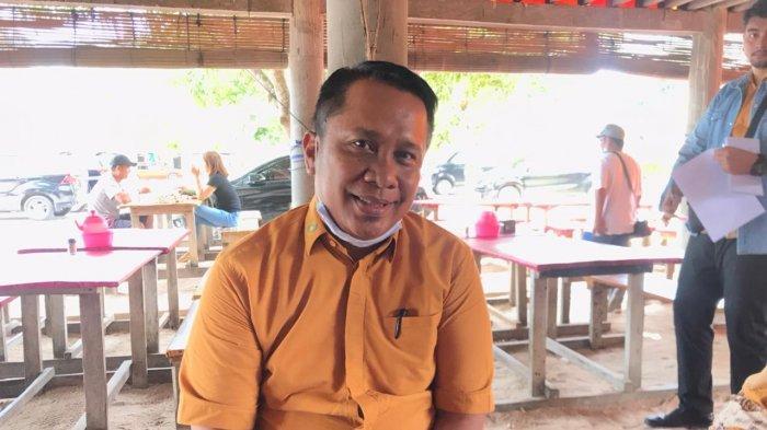 Kepala BPJS Kesehatan Cabang Tanjungpinang, Agung Utama Muchlis usai konferensi pers di Teluk Bakau, Bintan, Jumat (29/1/2021).